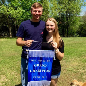 Lauren Jones: I asked my boyfriend, last year's Texas 4-H president, to my prom like this! He loved it!
